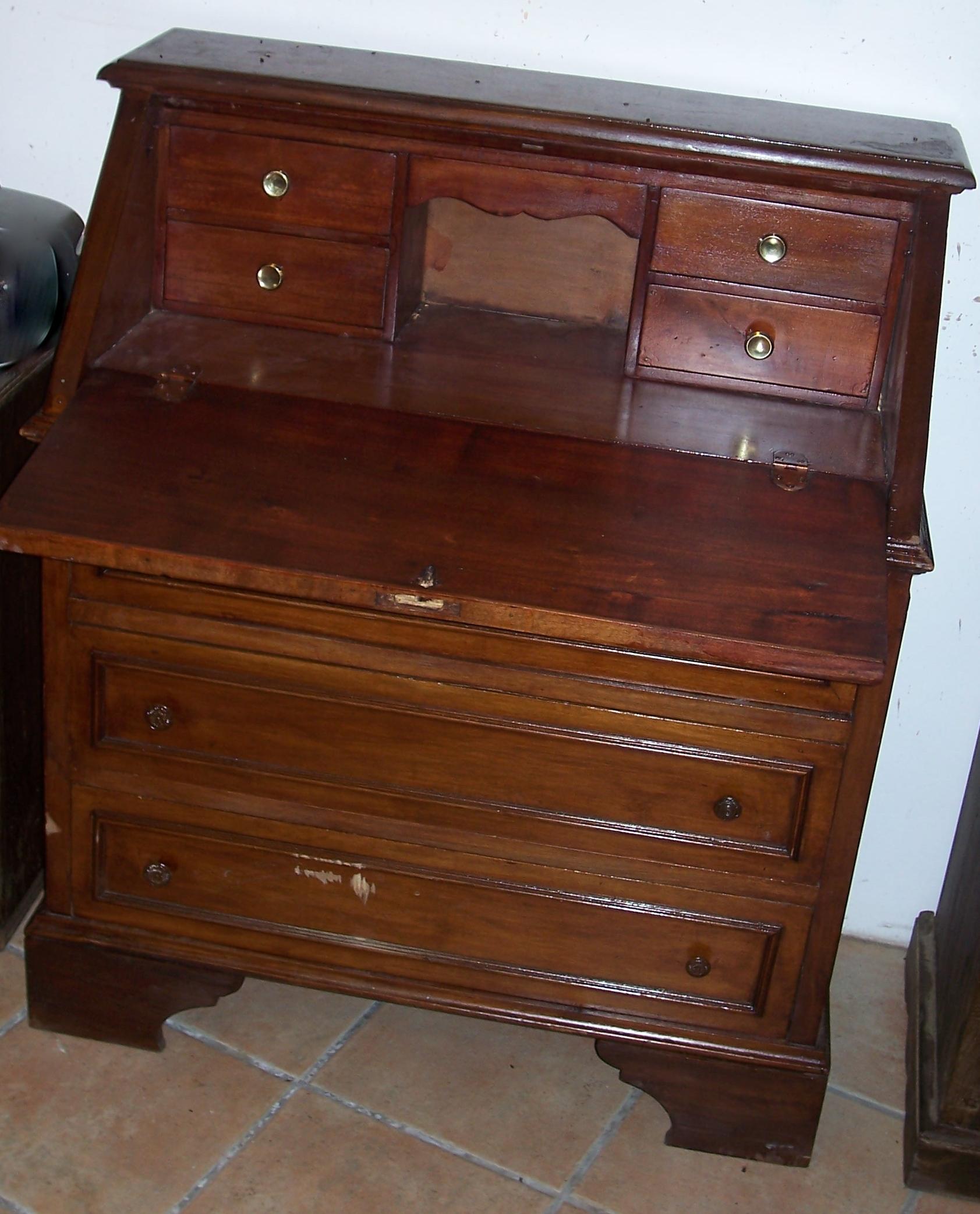 Le mani che cambiano le cose mobili e arredi ribalta for Piccoli mobili antichi